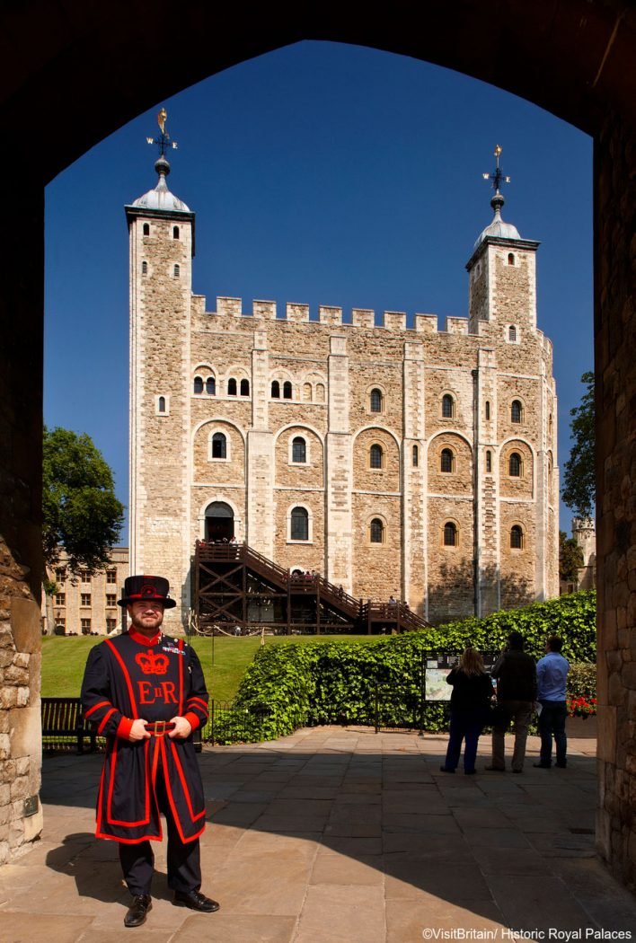 A Beefeater or Yeoman of the Guard, a military guard in traditional uniform, is your tour guide at the Tower of London (Photo: ©VisitBritain/Historic Royal Palaces)