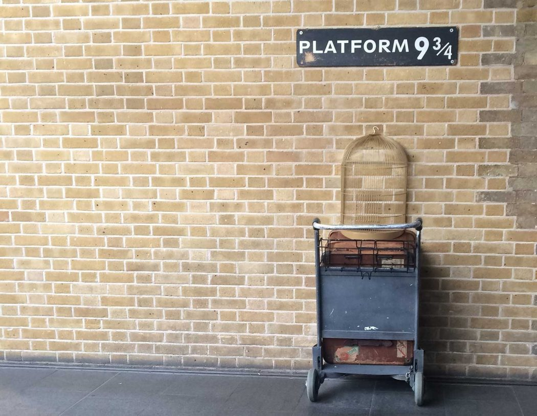 A visit to platform 9¾ at Kings Cross railway station is a must for Harry Potter fans (Photo by Sarah Ehlers on Unsplash)