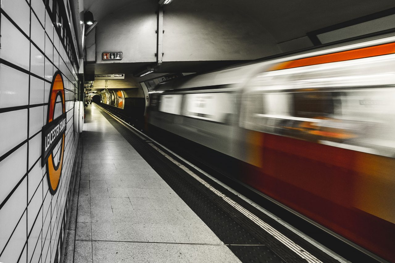 https://englandrover.com/wp-content/uploads/2018/07/london-underground-tube-adrien-ledoux-267902-unsplash-1280x853.jpg