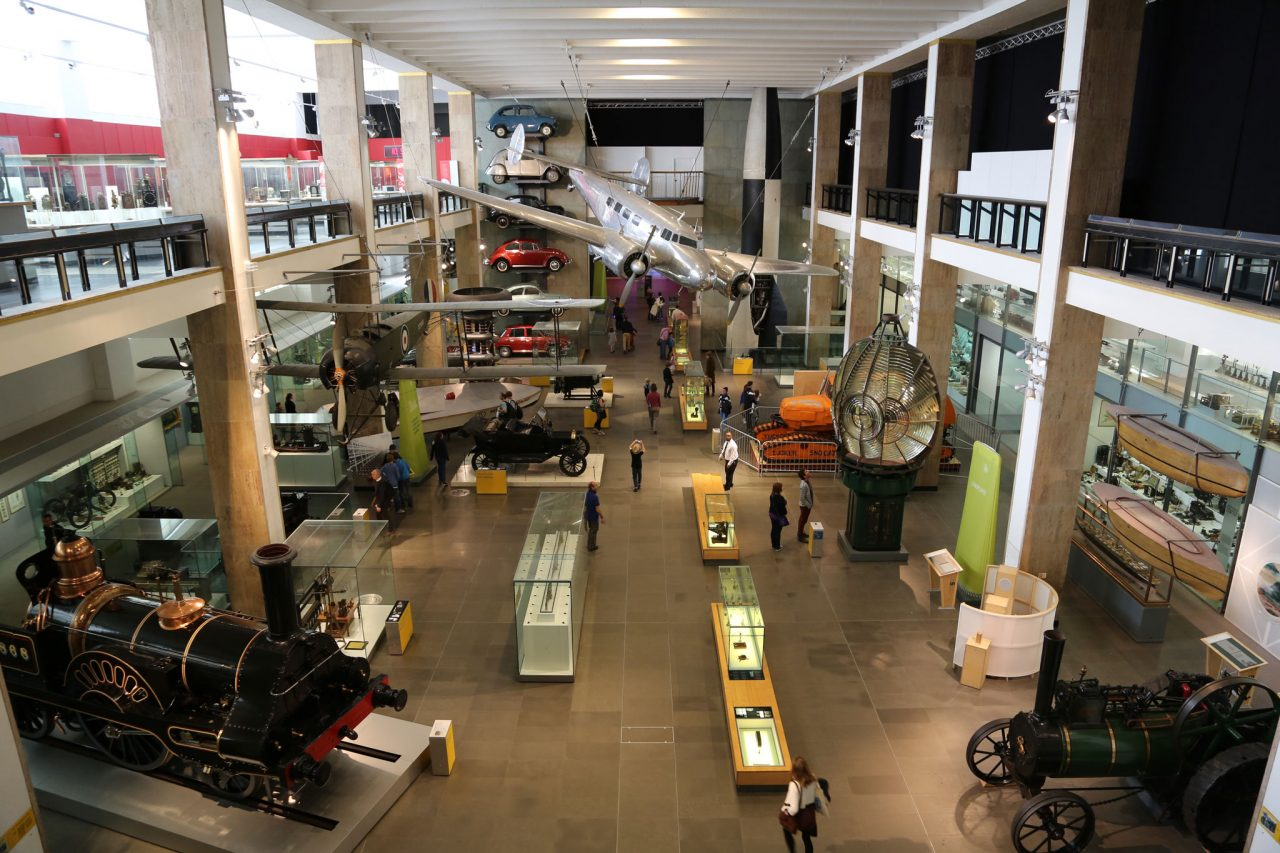 Making the Modern World gallery in the Science Museum in London (Photo: redjar [CC BY-SA 3.0 (https://creativecommons.org/licenses/by-sa/3.0)], via Wikimedia Commons)