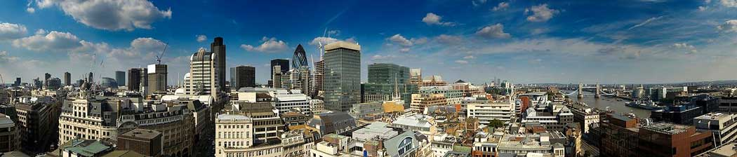The Monument offers panoramic views of central London. (Photo: Piotr Zarobkiewicz [CC BY-SA 3.0])