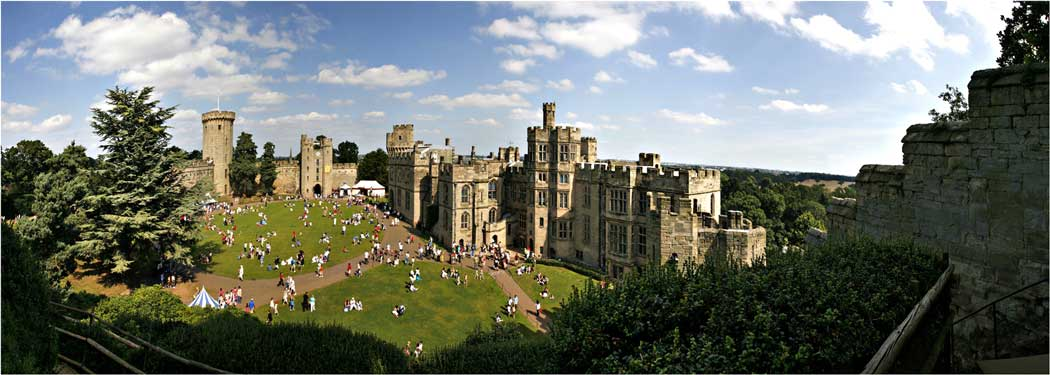 Warwick Castle as viewed from Ethefleda's Mound. (Photo: Gernot Keller [CC BY-SA 3.0])