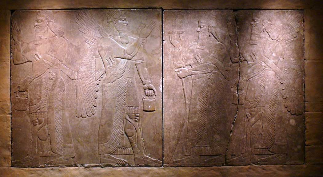The 3000-year-old Assyrian Reliefs were found in Nimrud in Iraq and are now on display at the Bristol Museum & Art Gallery. (Photo: © Ad Meskens / Wikimedia Commons [CC BY-SA 3.0])