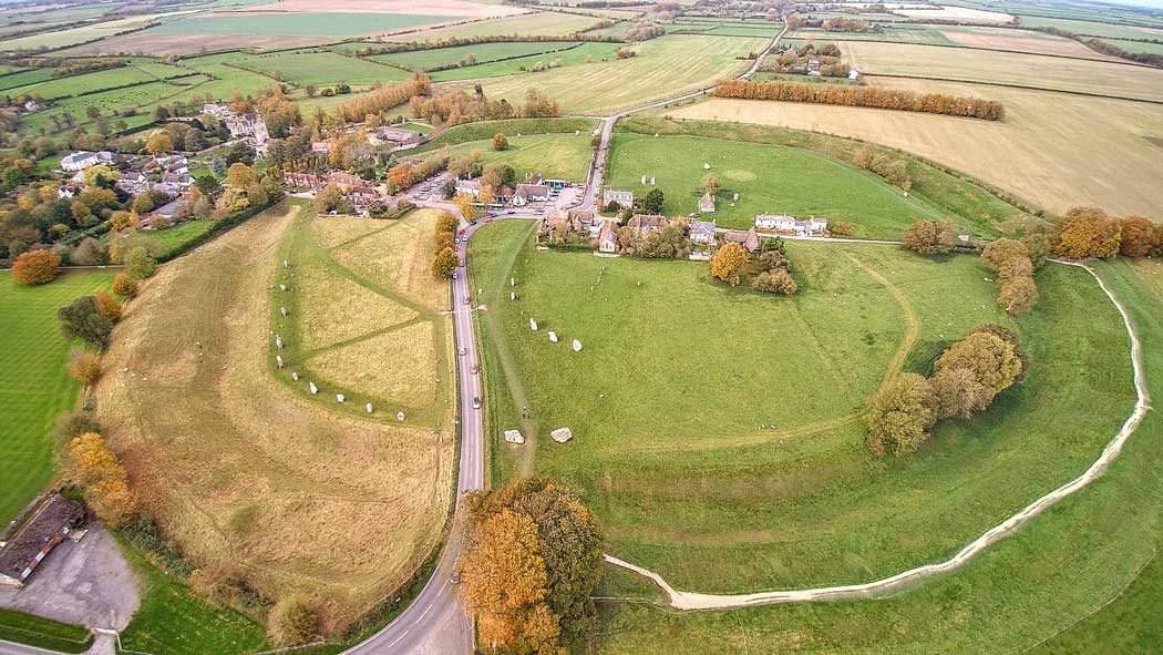 Aerial photo showing how the village has expanded into the Avebury henge monument. (Photo: Detmar Owen [CC BY-SA 4.0])