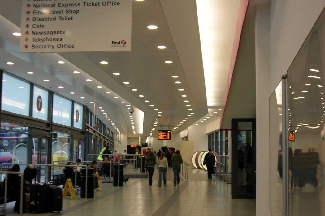 Bristol Bus and Coach Station waiting area (Photo: Rob Brewer [CC BY-SA 2.0], from Wikipedia)