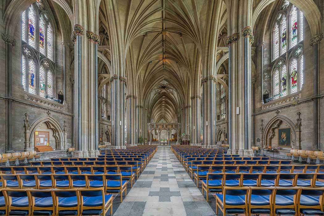 The nave of Bristol Cathedral looking east towards the high altar and choir. (Photo by David Iliff. Licence: [CC BY-SA 3.0])