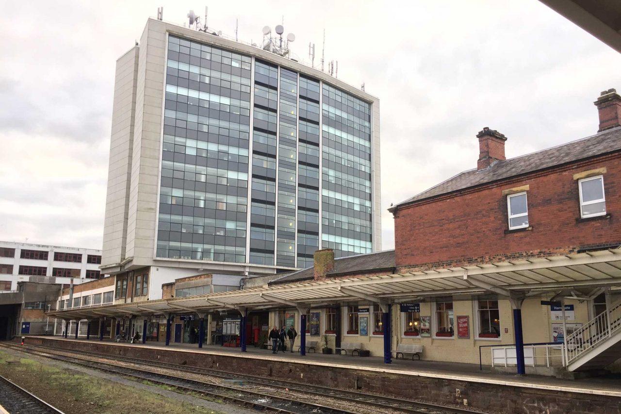 Harrogate railway station in Harrogate, North Yorkshire (Photo: Andrew Abbott [CC BY-SA 2.0])