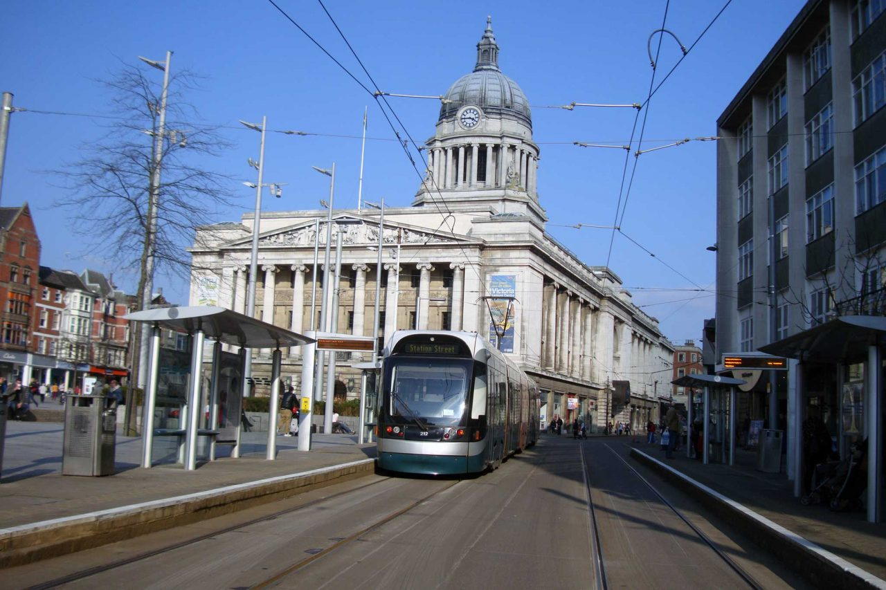 Nottingham Express Transit (NET) tram in Nottingham, Nottinghamshire (Photo: Chriziza [CC BY-SA 3.0])