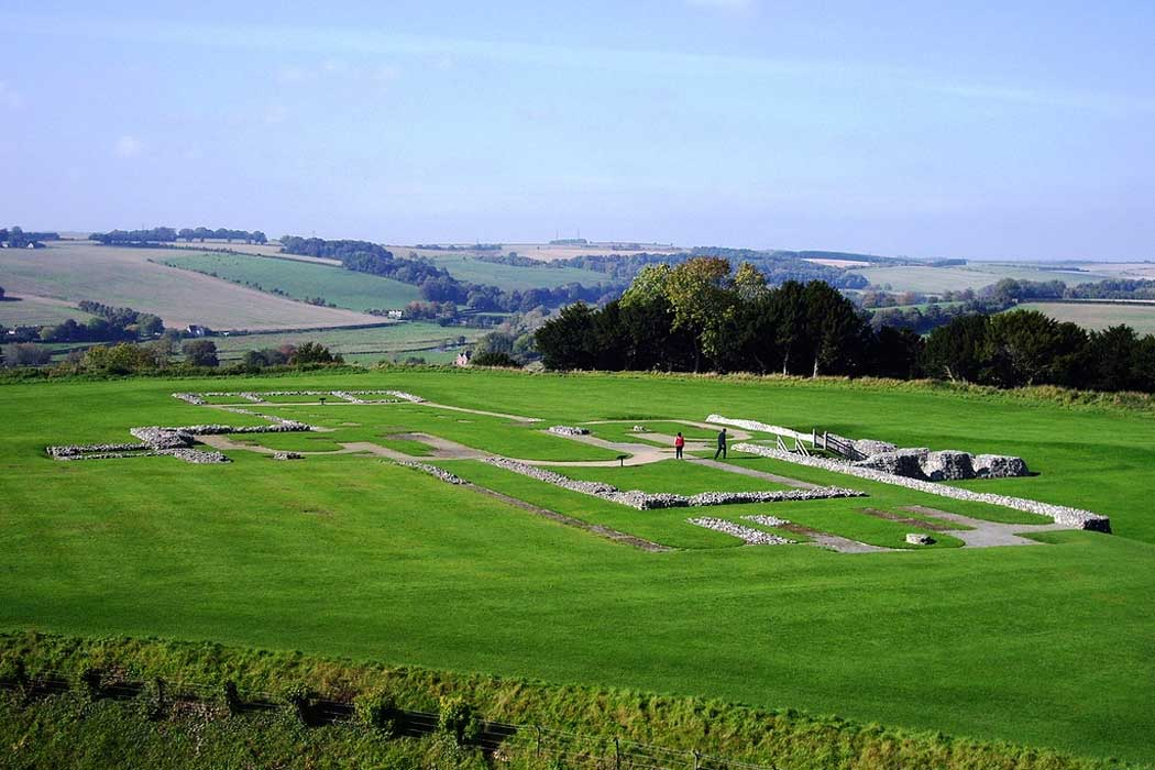 Visitors to Old Sarum are able to wander around the foundations of the old cathedral. (Photo: Margaret Anne Clarke [CC BY-SA 3.0])