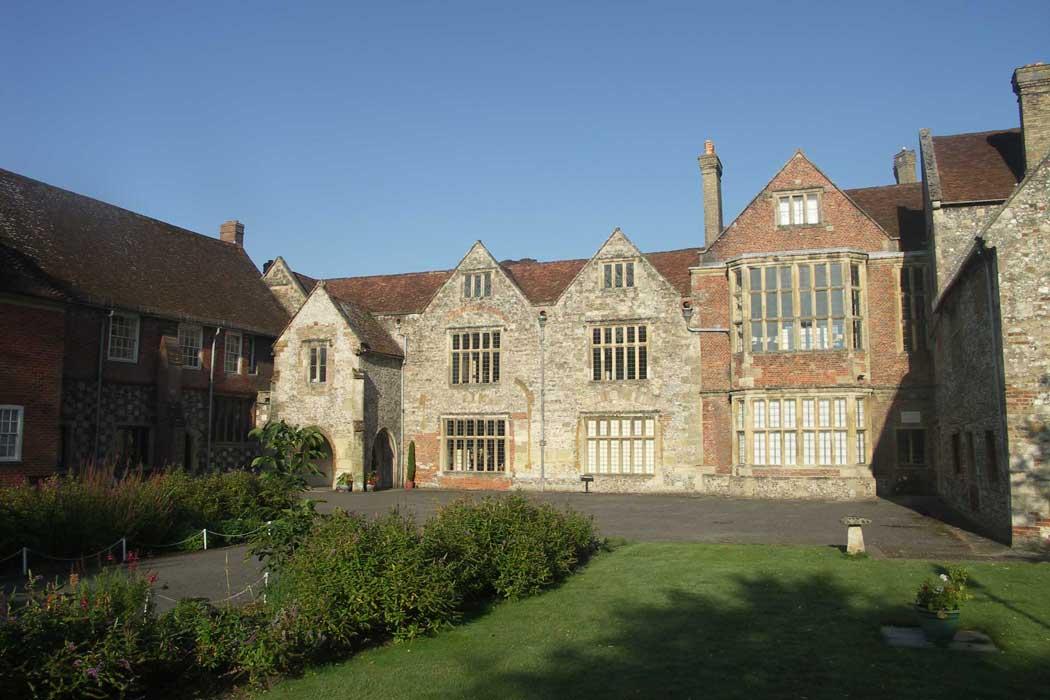 The King's House and Salisbury Museum in Salisbury, Wiltshire. (Photo: SalisburyMuseum1 [CC BY-SA 3.0])