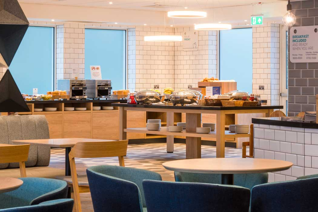 An Express Start breakfast is included in your room rate. (Photo: IHG)