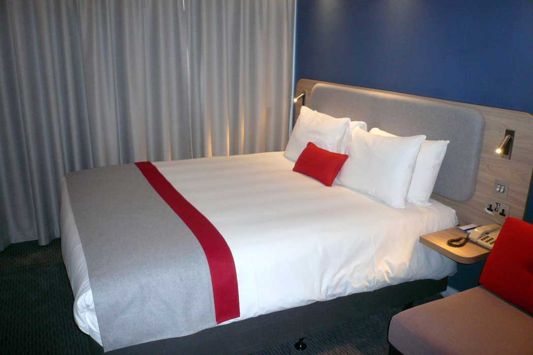 A double guest room at the Holiday Inn Express Oxford Kassam Stadium. (Photo: IHG)