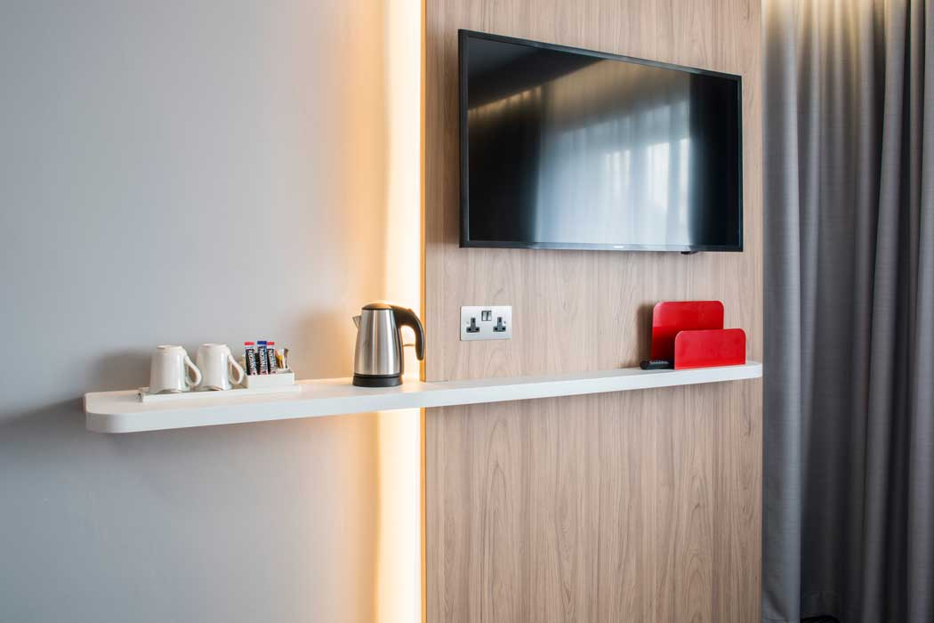 All rooms have flatscreen televisions plus tea and coffee making facilities. (Photo: IHG)
