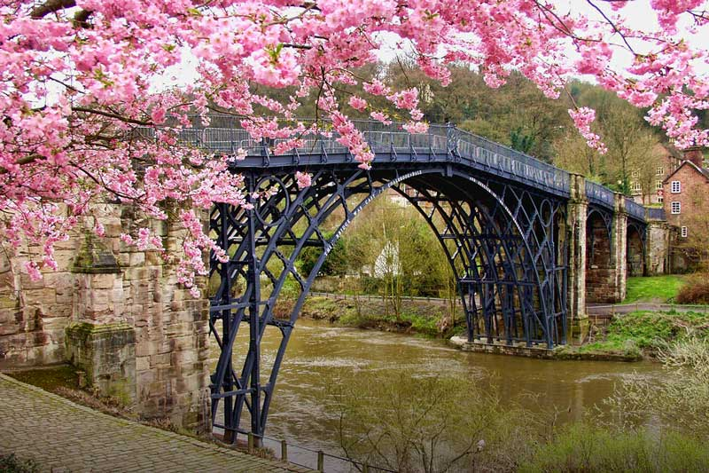 https://englandrover.com/wp-content/uploads/2018/10/ironbridge-shropshire.jpg