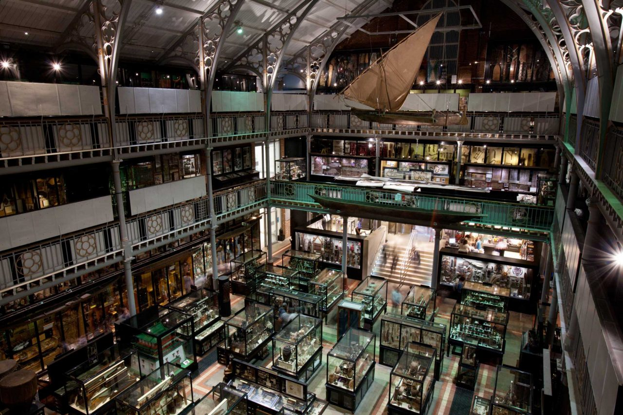 Inside the Pitt Rivers Museum in Oxford, Oxfordshire (Photo: Jorge Royal [CC BY-SA 3.0])