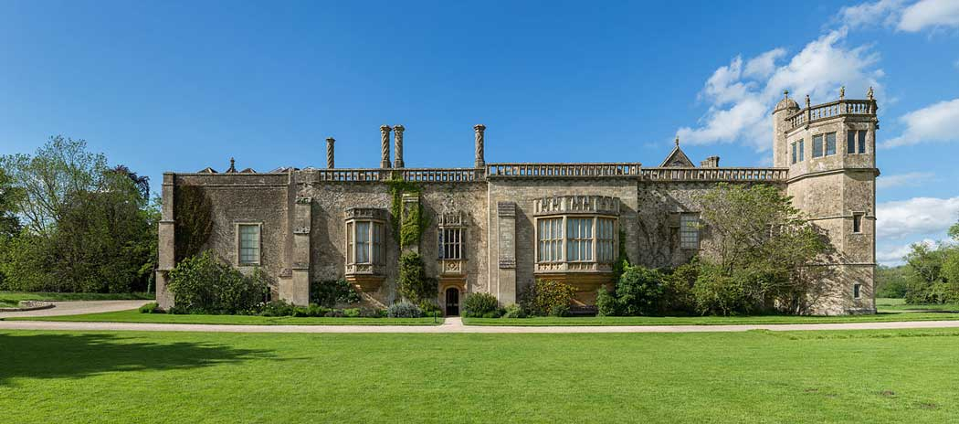 Lacock Abbey viewed from the south including the window photographed in 1835 by William Henry Fox Talbot. (Photo by David Iliff. Licence: [CC BY-SA 3.0])