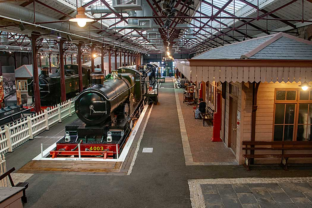The recreated station scene at STEAM The Museum of GWR. (Photo: Murgatroyd49 [CC BY-SA 4.0])