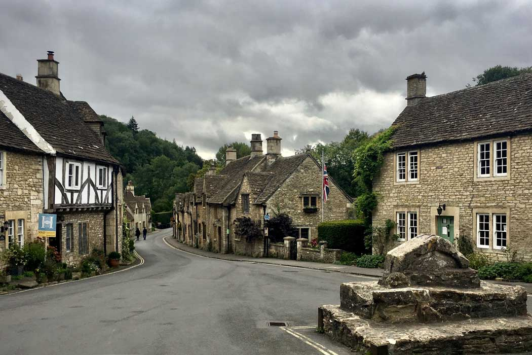Castle Combe is considered one of England's prettiest villages. (Photo: Olivier Collet on Unsplash)