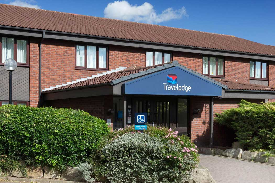 Travelodge Nuneaton Bedworth is a good value accommodation option located around midway between Nuneaton and Bedworth. (Photo © Travelodge)
