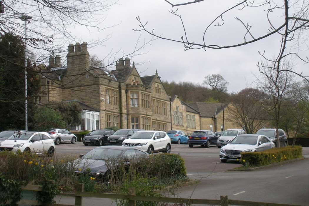The Britannia Hollins Hall Hotel is a hotel with a golf course in the countryside north of Bradford that represents a good value accommodation option when compared to other country house hotels. (Photo: John Slater [CC BY-SA 2.0])