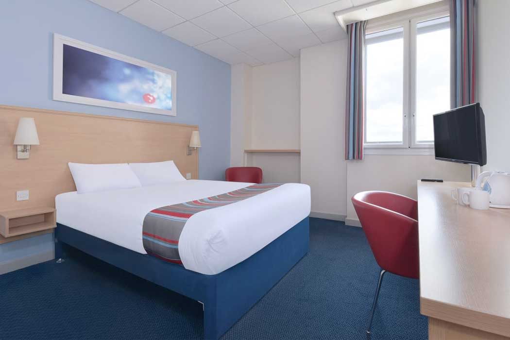 Rooms at the Travelodge offer clean basic accommodation at a great price. (Photo © Travelodge)
