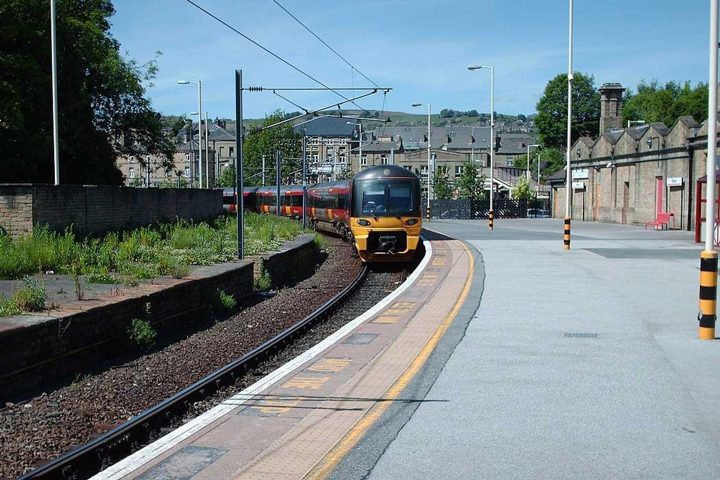 Platform 5 at Shipley railway station. (Photo: Ian Kirk [CC BY-SA 2.5])