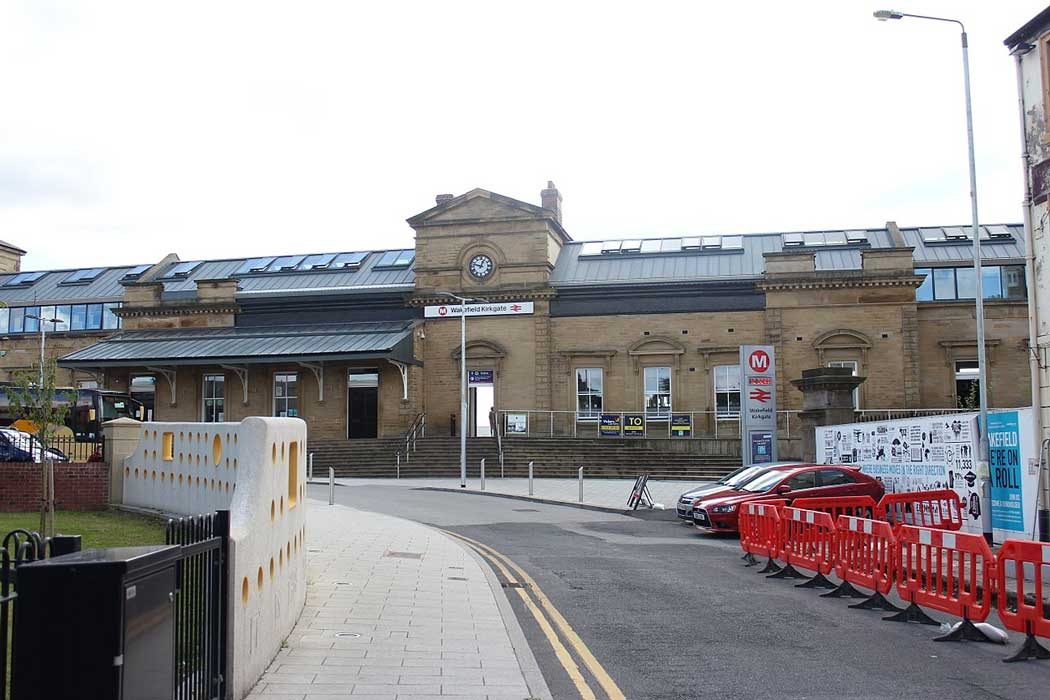 Wakefield Kirkgate railway station is Wakefield's smaller station, located southeast of the city centre. (Photo: N R Turner [CC BY-SA 4.0])